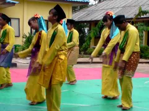 Tari Dondang Dendang SMP Hang Kasturi Batam