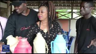 Angalia bata la njiani snura na wasanii wenzake wakielekea mtwara kwenye fiesta