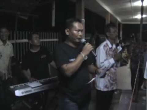 Adong Belalai by Zero D'Fect (Live Show at Sungai Naman 2009)