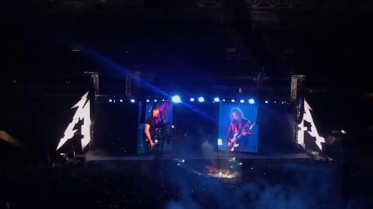 ЦОЙ ЖИВ! Metallica на концерте в Лужниках поёт «Группу ...