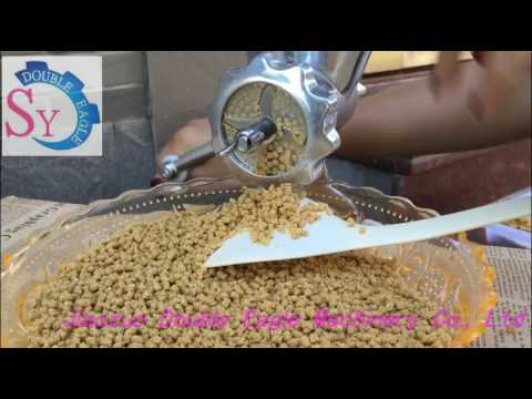 household manual animal feed pellet machine/hand poultry fish feed extruder machine