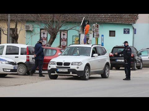 Pojačano prisustvo policije u Tavankutu u cilju zaštite građana i imovine od ilegalnih migranata  HÁTRAARC: Elszállították a migránsokat Tavankútról hqdefault
