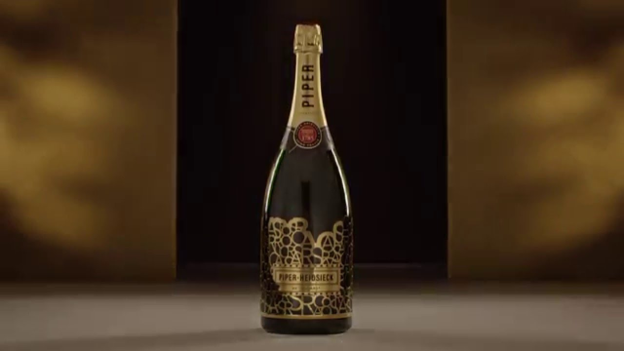 """Red Carpet Ready"" - PIPER-HEIDSIECK at the Oscars®"