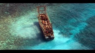 Boat Runs Aground, Ruins Coral Reef and other crazy stuff