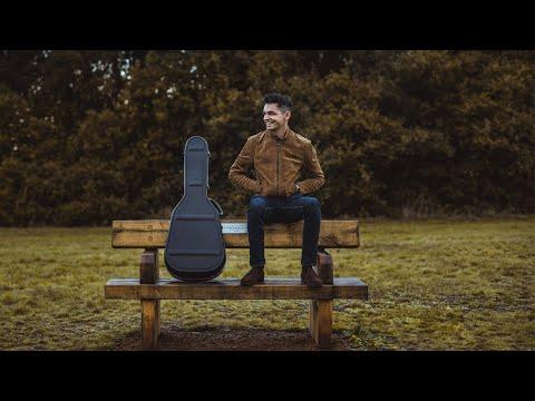 Classical Acoustic Solo Guitarist | Hayden - Solo Classical Guitarist