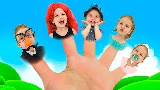 Milusick plays with the Finger family song