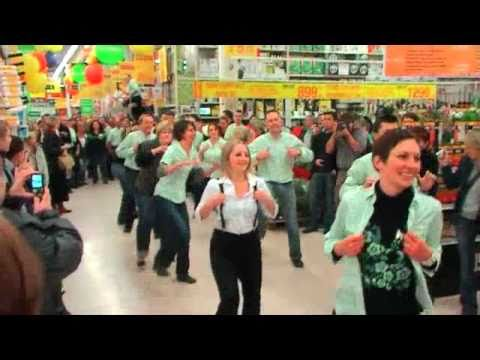 Flash mob leroy merlin villeneuve d 39 ascq youtube for Leroy merlin flash