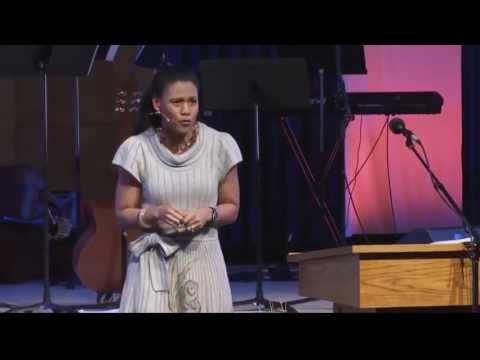 priscilla shirer discerning the voice of god pdf