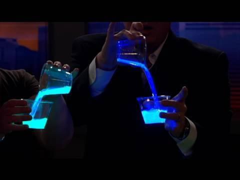 Liquid Light - Cool Science Experiment