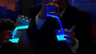 السائل ضوء بارد تجربة علمية
