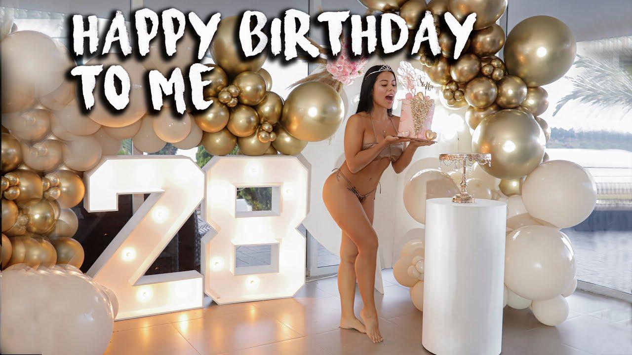 Happy Birthday to Me 🎂🥳 Feliz Cumpleaños A Mi !