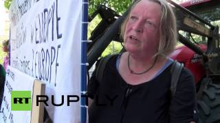 Germany: Farmers rally outside Berlin's Agriculture Ministry in price protest