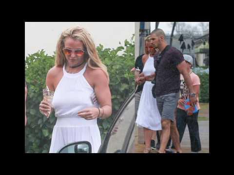 Бритни Спирс решила лечь под нож