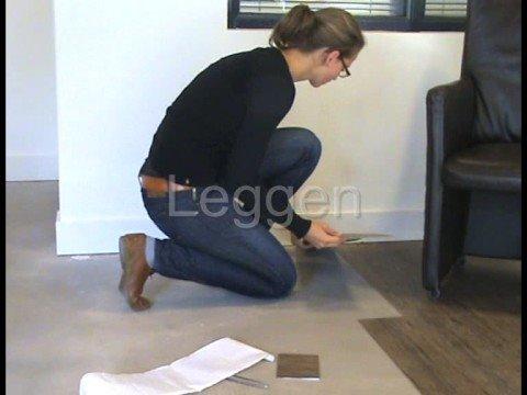 Zelfklevende pvc vloeren leggen youtube