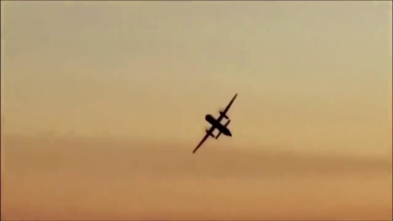 גנב מטוס נוסעים ריק - והתרסק בכוונה