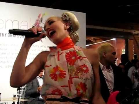 "No Doubt ""It's My Life"" surprise performance @ Gwen Stefani's Tea Party Charity for Japan"