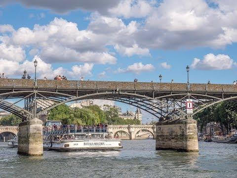 Places to see in ( Paris - France ) Pont des Arts