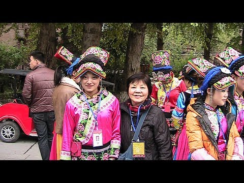 Beautiful Dances of PingTouJiangZhai - An Ancient Village, Chengdu - China Holidays