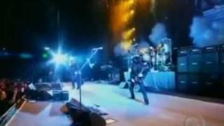 Ozzy Osbourne com bandeira do Grêmio no Gigantinho
