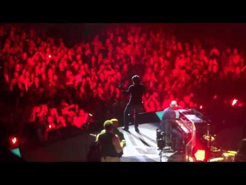 AC/DC's BJ Surprises at Billy Joel Concert (You Shook Me All Night Long)