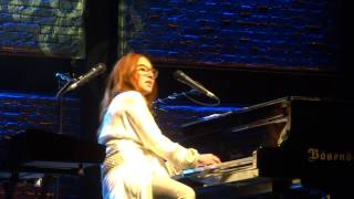 Tori Amos - Famous Blue Raincoat (with fuck-up improv!!) - Warsaw 2014 FULL HD