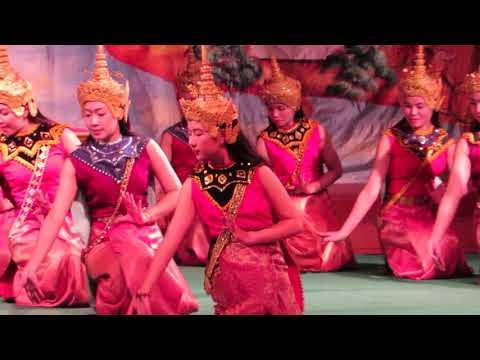 585 LUANG PRABANG Ballet royal