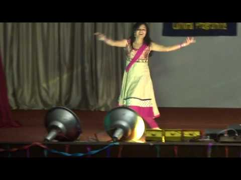 Aaja nachle nachle mere Yaar tu nachle ... dance performance.... By the Trainee girl