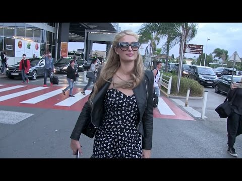 Exclusive - Paris Hilton s arrival at Nice Airport