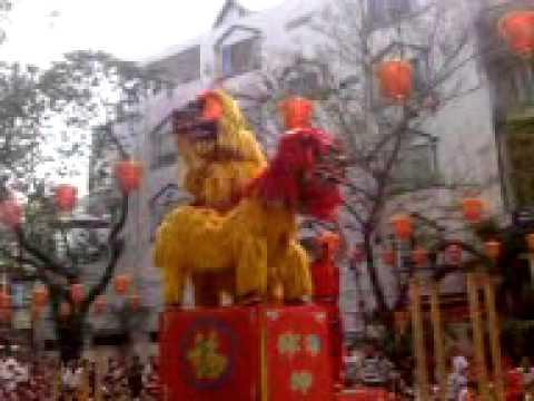 Doan Nghe Thuat LSR Hao Quang Duong - Mua Su Tu