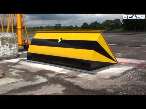 HT1-VIPER: Anti-terrorist shallow mounted roadblocker (PAS68) Crash test