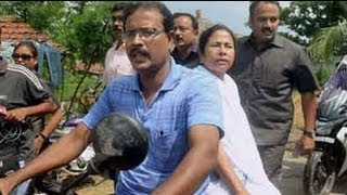 Mamata loses cool after angry protests during visit to rape victim's house