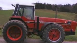 IH 2+2 tractors