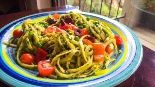 Pasta Crudi Vegana De Calabacín Con Pesto De Kale