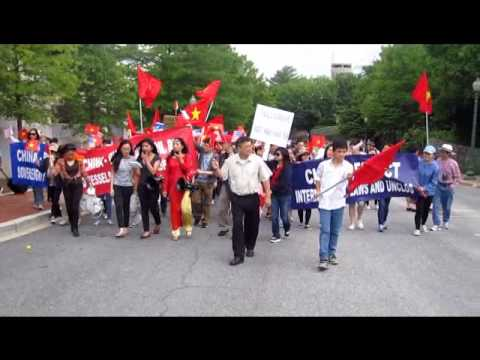 Demonstrations against China's oil rig in Vietnam's Waters in Washington, DC, May 18, 2014 standard