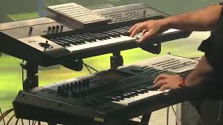 Gambar cover Suraj hua Madham  Chand dhalne laga_ Live performance by Sonu Nigam..