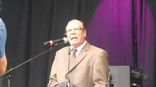 Georg Schramm auf der Abschlusskundgebung der Demo #ausgehetzt
