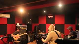 Cover J-rock Entah Bagaimana