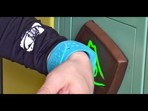 TapuTapu wearable wristband interactive effects & elements at Volcano Bay, Universal Orlando