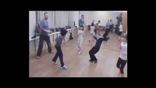 Игровой фрагмент тренировки по рукопашному бою для детей