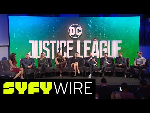 Justice League Assembles for Press Conference - Ben Affleck, Gal Gadot, Jason Momoa | SYFY WIRE