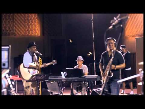 Sedih Tak Berujung - Glenn Fredly & The Bakuucakar live at Lokananta