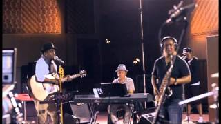 Download lagu Glenn Fredly & The Bakucakar - Sedih Tak Berujung (Live at Lokananta)