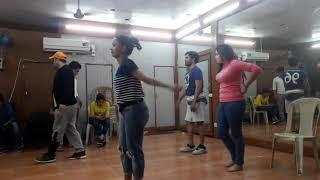 Amarpali re man kare song pe dance sikhate huye nazar aaye Dinesh lal yadav /Dk g bhojpuria/