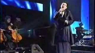 K.D. Lang sings Leonard Cohen
