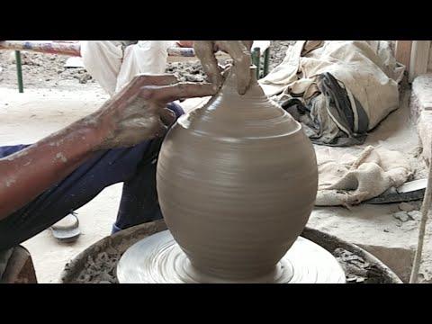 मिट्टी की गुल्लक कैसे तैयार की जाती है - YouTube