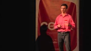 Nevěřte nikomu, natož mně | Martin Pavliš | TEDxBrno