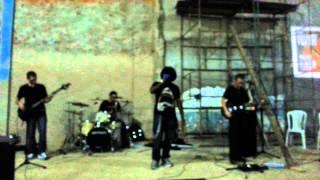 Banda Tozer tocando Red Letter - Led to the slaughter