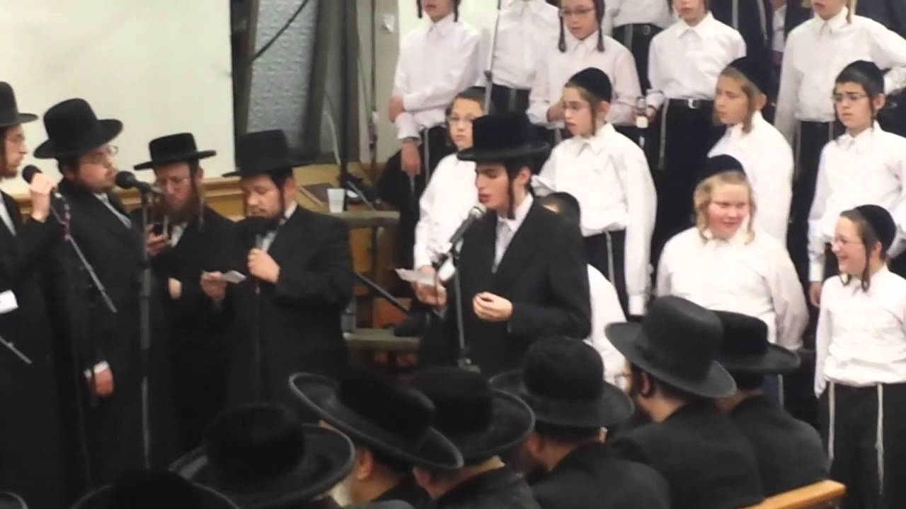 Motty Steinmetz Singing At Satmar Chanukah Candle Lighting