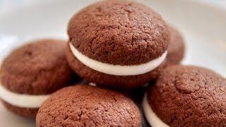 巧克力夾心蛋糕。whoopie Pie