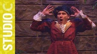 Romeo Impresses Juliet thumbnail